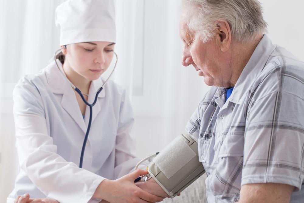 Что может стать причиной гипертонической болезни человека Все об этиологии заболевания