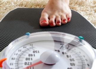 Лишний вес очень опасен для подростков